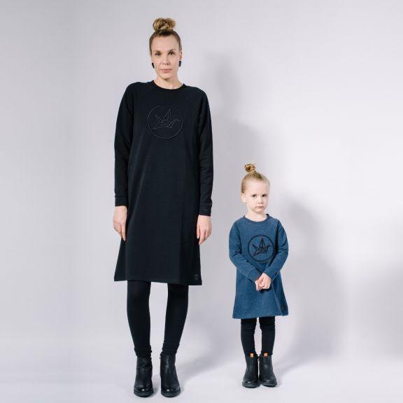 Kids college dress, embroidery, collegemekko, brodeeraus, kids fashion, lasten muoti, japanese style, minimalist style